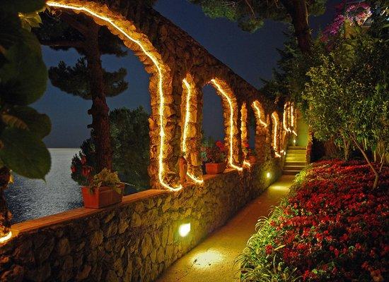 Villa San Michele: Bei Nacht im Lichte des Vollmonds