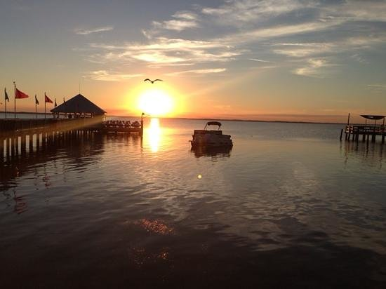 Sunset Grille & Raw Bar : Beautiful view