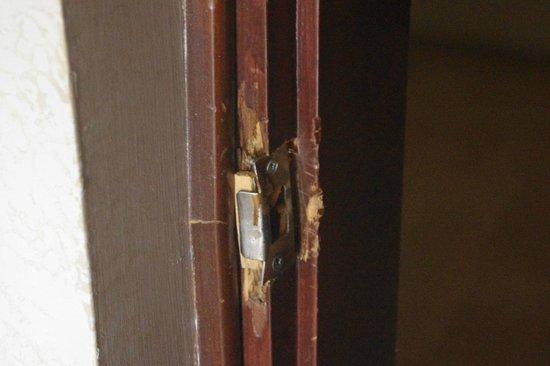 Alara Park & Residence Hotel: вот такие двери и замки
