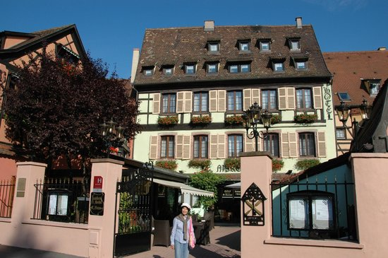 Hostellerie le Marechal: front view