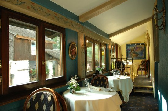 Hostellerie le Marechal: part of the dining room