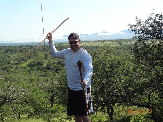 Thanda Safari Lodge: Stopping for coffee during safari and playing zulu warrior