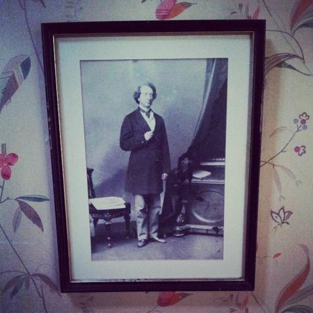 Gite Les Rochers B&B: John A Macdonald