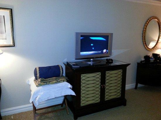 The Ritz-Carlton, Pentagon City: TV