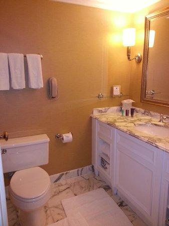 The Ritz-Carlton, Pentagon City: Bathroom