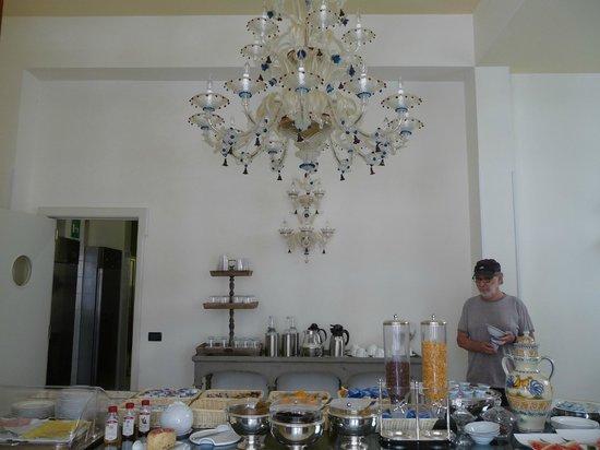 Grand Hotel Di Lecce : Breakfast buffet