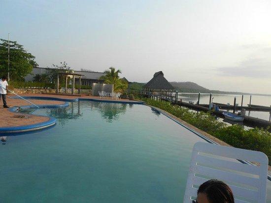 Marina Puesta del Sol: area de piscina