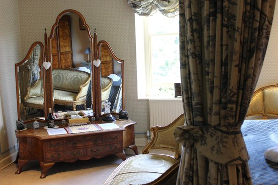 Bloomfield House: Antique furniture