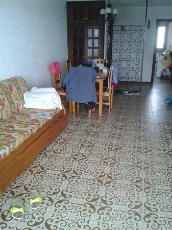 Apartamentos Montroig Mar: Гостиная в отеле