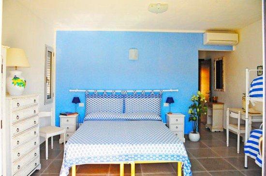 Bassa Prua: Questa è la nostra camera blu...