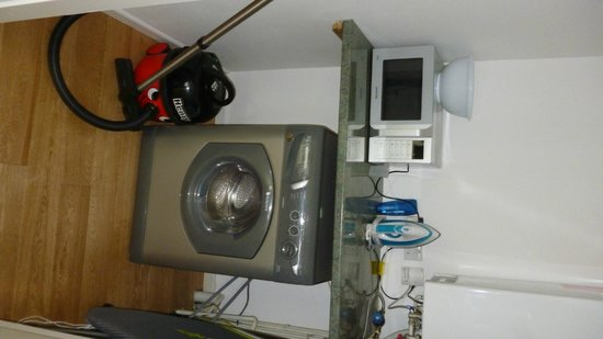 Natural Retreats Yorkshire Dales: utility room