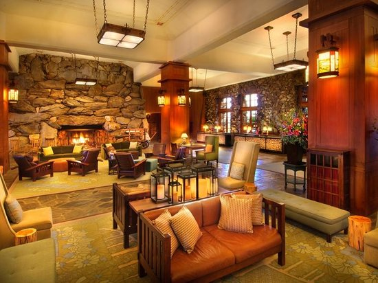 The Omni Grove Park Inn : Guest Registration in the Great Hall