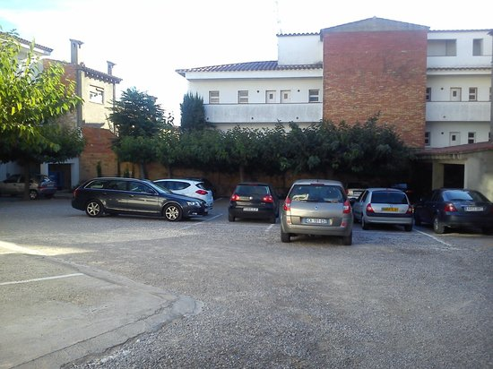 Can Catala: free car parking