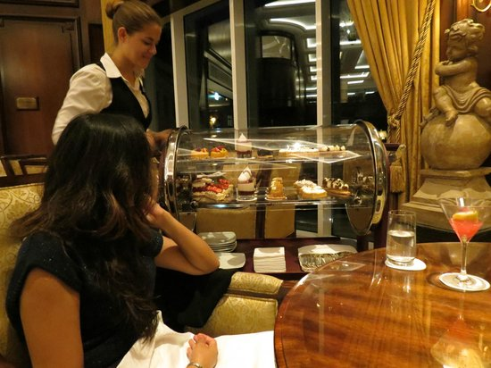 Powerscourt Hotel, Autograph Collection: dessert brought to you