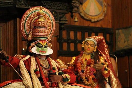 Kerala Kathakali Centre : Scene from the play