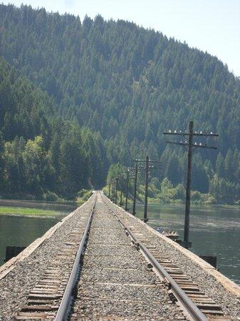 Heyburn State Park: Railroad Crossing Benewah Lake