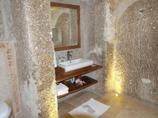 Ottoman Cave Suites: bathroom 2