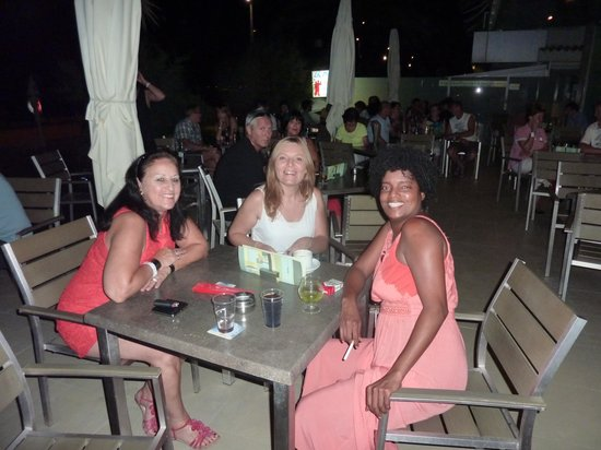 Hotel Playa: Marie my wife with Myriam and Kenya