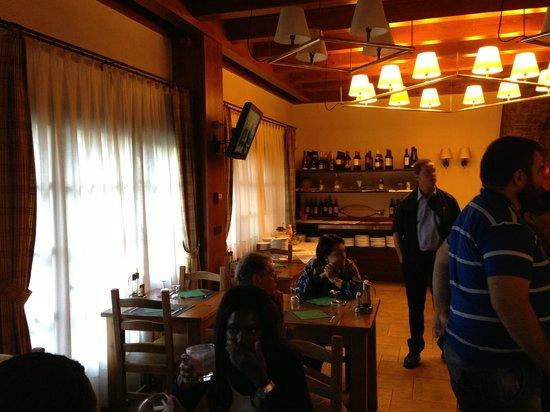 Restaurant Font Blanca: restaurant van de andere kant