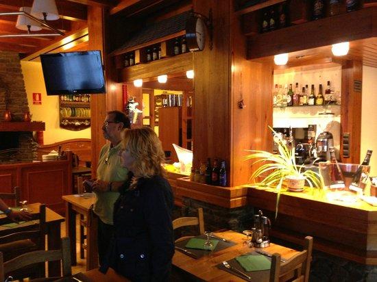 Restaurant Font Blanca: restaurant