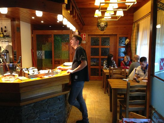 Restaurant Font Blanca: bar