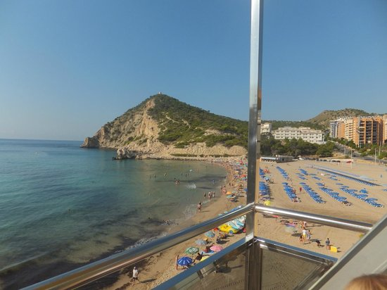 Hotel La Cala: Beach view