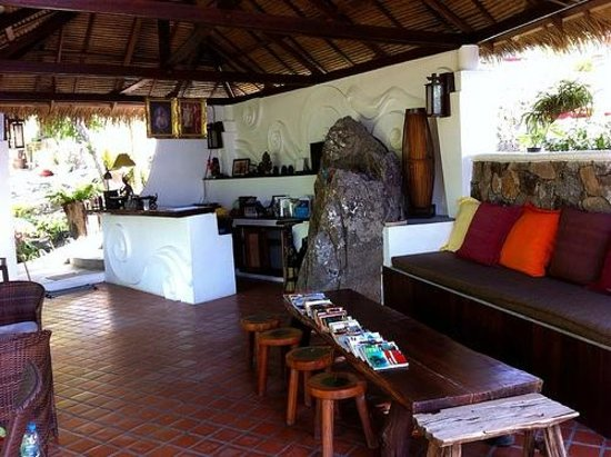 Baan Talay Koh Tao: Reception area & entrance to restaurant