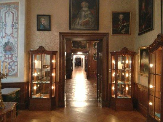 Schloss Friedenstein: Unterwegs im Schloss ... endlose Gänge ...