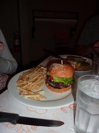Cafe 225: My first real hamburger