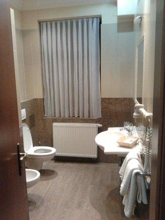 Hotel Capital: salle de bain 223