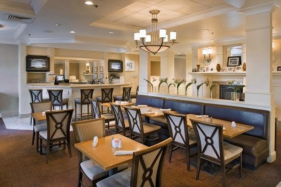 Four Points by Sheraton Fairview Heights: Restaurant