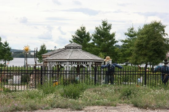 The Filling Station: Cute garden with scarecrows across the tracks!