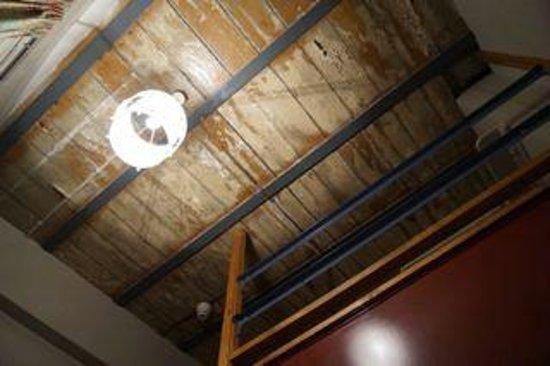 Avalon House: our lovely ceiling