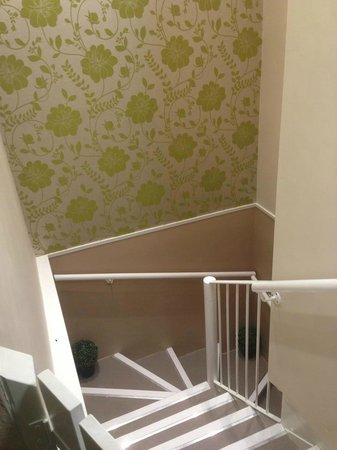 The Inn at Grasmere: New Staircase down to pool!