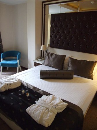 Blueberry Boutique Hotel: bed