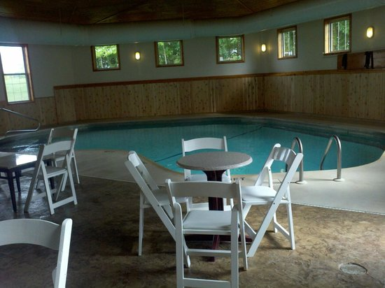 Maxfield's Inn: Pool area