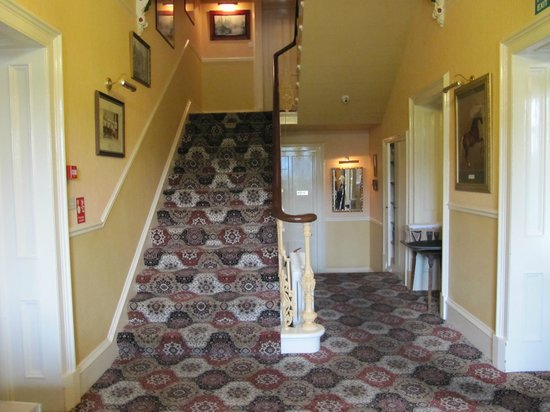 Cressfield Country Hotel: Stairs