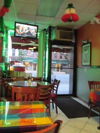 Tulcingo Del Valle: Restaurant view 2