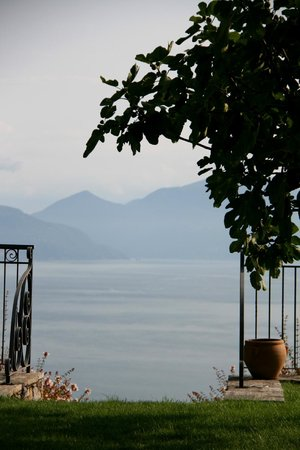 Hotel Brisino: View from the garden/breakfast terrace