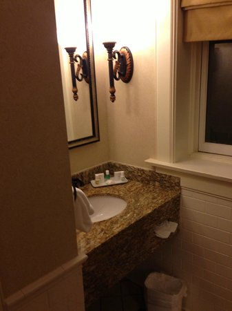 French Lick Springs Hotel: bathroom vanity area room 1230