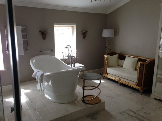 Cape Heritage Hotel: Bathtub