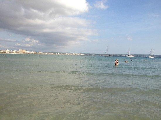 Hotel whala!balmes : Den lokala stranden 2 min från hotellet