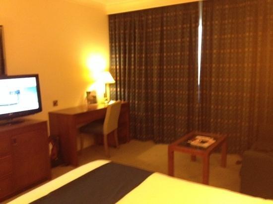 Holiday Inn London-Heathrow M4, Jct. 4: standard room