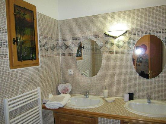 La Barde : Bathroom