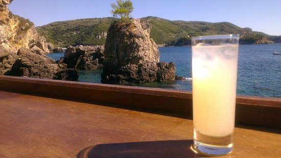 La Grotta Beach Bar