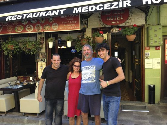 Med Cezir Hotel: Tony, Monica, Ron & Orhan