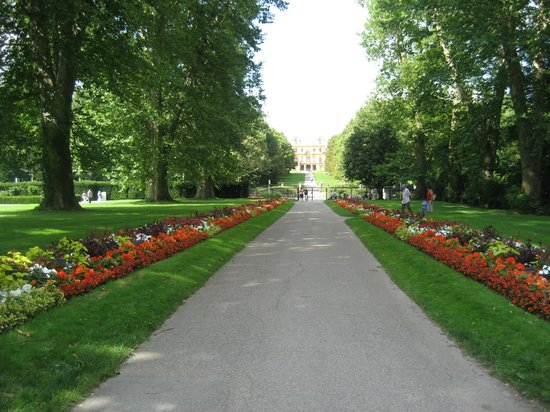 Ludwigsburg Palace (Residenzschloss) : Saray Bahçesi 2