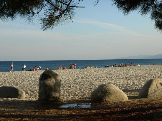Marina d'Erba Rossa : la plage