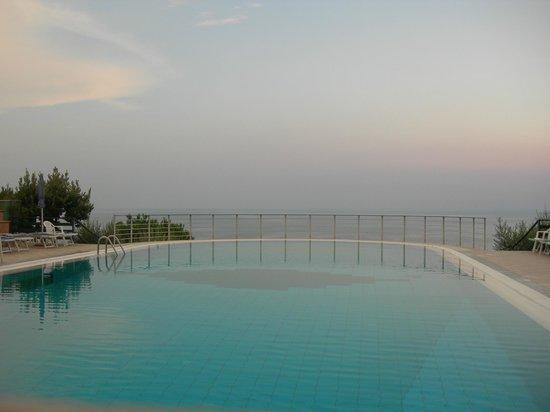 Hotel Club San Diego : piscina con acqua salata