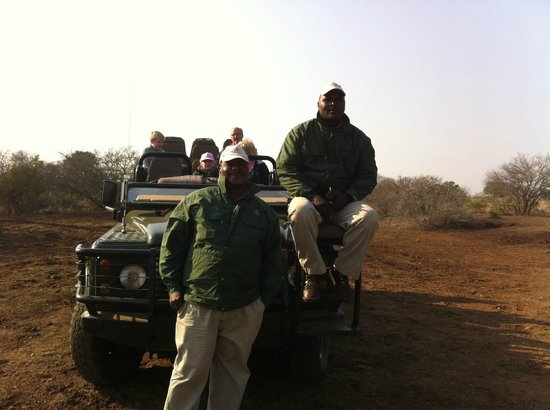 Thanda Safari Lodge: Dumi and Winneth, the cream of Thanda!